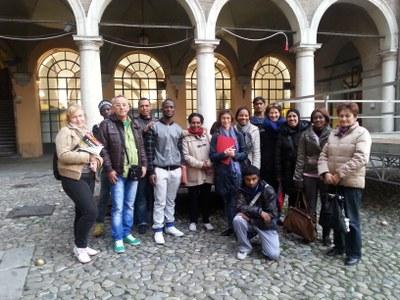 Un gruppo in visita in Piazza Grande